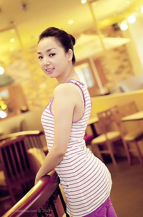 hình chân dung model Laura Lai chụp tại cafe Angel in us