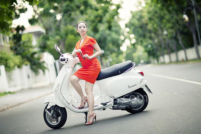 hình chân dung ngoại cảnh model Laura Lai