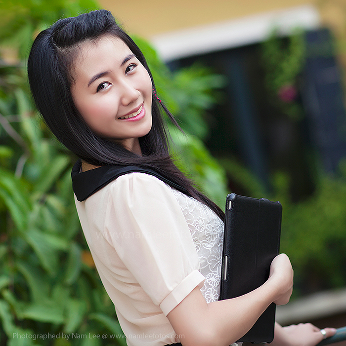 model Nhã Khanh tại cafe Serenade Piano